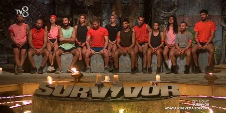 Survivor'da Bu Hafta Kim Elendi? Gönüllüler Takımından Bir İsim Adadan Ayrıldı!