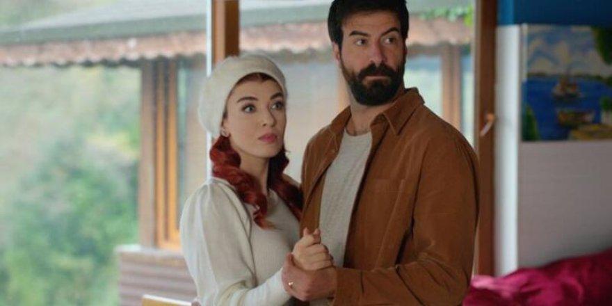 Kuzey Yıldızı İlk Aşk Çekimlerini Gerçek Sanarak Set İçerisine Daldı! Yetkililer Güçlükle Ayırdı