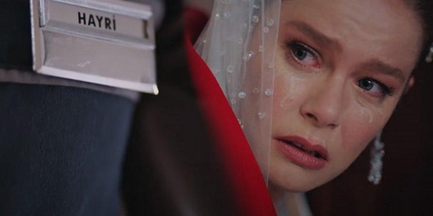 Camdaki Kız dizisine Reytingleri Alt Üst Edecek Yeni Oyuncu Transferi Gerçekleşti! Camdaki Kız dizisinin Hayrisini canlandırack kişi açıklandı